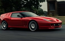 Ikonikus Ferrarinak állít emléket ez az új kenyeres autó sportkocsi