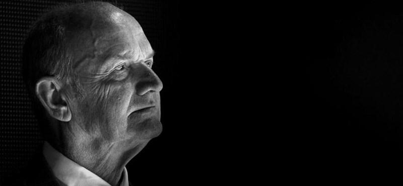 Egy étteremben összeesett, majd meghalt a Volkswagen volt vezetője