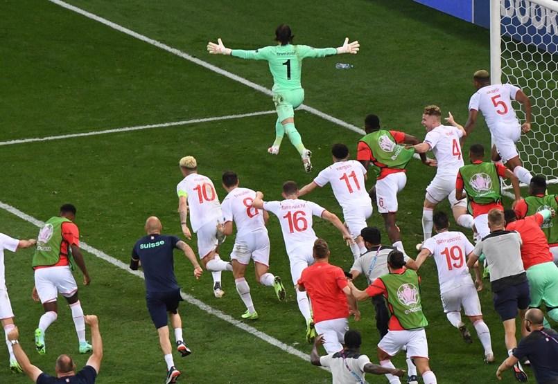 Partidos locos, ventaja española, descenso francés: ese fue el día tres de los octavos de final