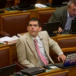 Novák Előd kilépett a Jobbikból