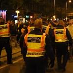 A Nagykörutat elfoglalták, a Fidesz-székházat nem - videó az éjszakai tüntetésről