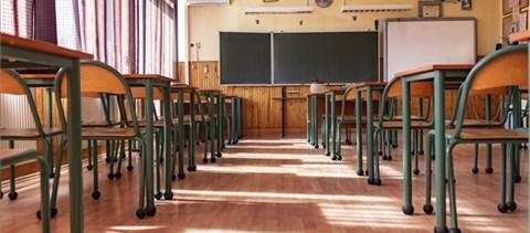 Lengyelországban és Szerbiában is megkezdődik a hagyományos oktatás