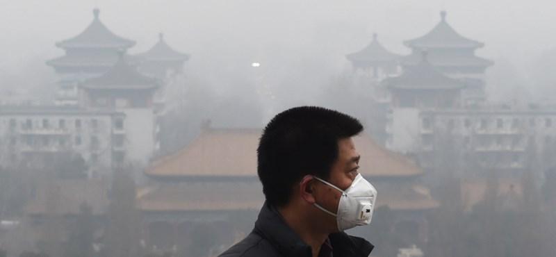 Rövid időn belül másodjára fojtogatja a szmog Pekinget