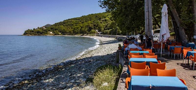 El gobierno griego destacó: solo las personas que hayan sido vacunadas pueden entrar en los restaurantes