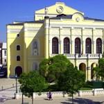 Költözik a debreceni színház, a közönség segítségét kérik a pakoláshoz