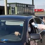 Kivizsgálják a videót, ahol egy rendőr arra buzdít a határon, ne mondja meg a kamionsofőr, hogy Olaszországban volt