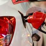 Sovány vigasz a csúszós utak mellé: legalább a tankolás olcsóbb lett egy picit