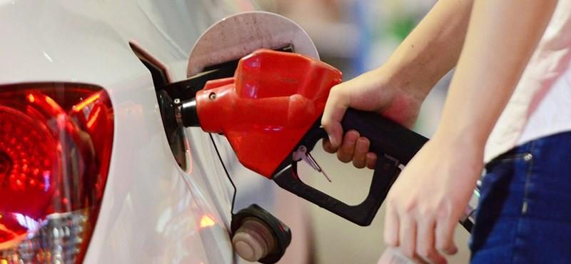 Heteken belül visszatérhet a 400 forintos benzinár