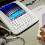 Elkezdték kiszórni az online pénztárgépeket – fotók