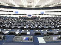 Tárt karokkal várják a Fideszt az EP szélsőjobbosai