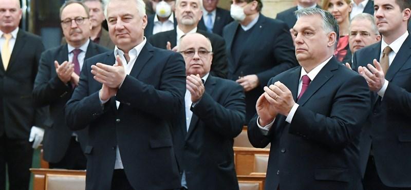"""Elkészült a Fidesz """"álhíreknek véget vető"""" angol nyelvű oldala"""