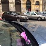 Tárcsás parkolással próbálják megoldani a helyhiányt Hűvösvölgyön