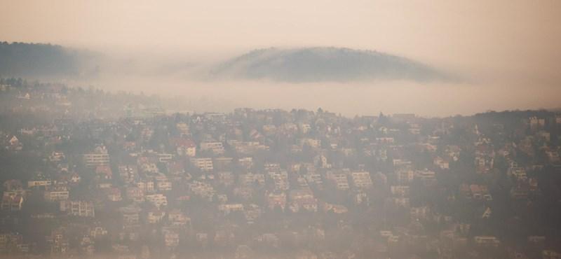 Az egész országra figyelmeztetést adtak ki a sűrű köd miatt