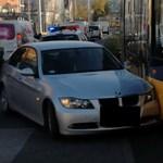 A nap videója: a budapesti villamos és a BMW csattanása