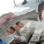 Venezuelában lecsapnak öt nullát a helyi pénzből