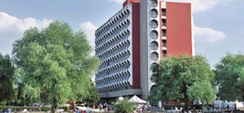 Most érdemes szállodát venni a Balatonnál