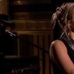 Megrendítő dallal emlékezett a Las Vegas-i áldozatokra Adam Sandler és Miley Cyrus