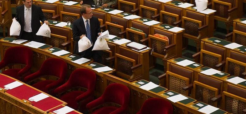 Harmincmillióba kerül a Fidesz-frakció nem létező honlapja