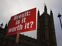 Új javaslat: 2022 végéig lehetne szabadon munkát vállalni a briteknél