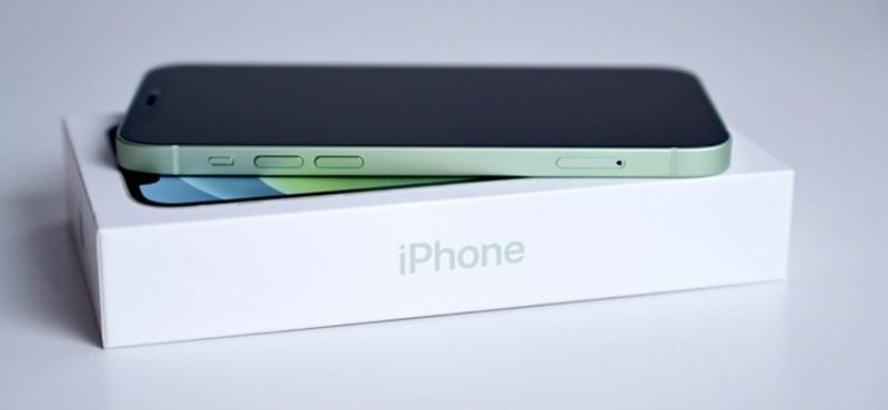 861 ezer tonna fémet spórolt az Apple azzal, hogy kihagyta a töltőt az iPhone-ok dobozából