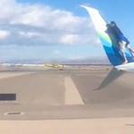 Repülő szárnyára mászott egy férfi, 5 órát késett a gép miatta