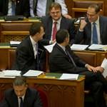 Navracsics verheti le a fideszes polgármesterek szabadságharcát