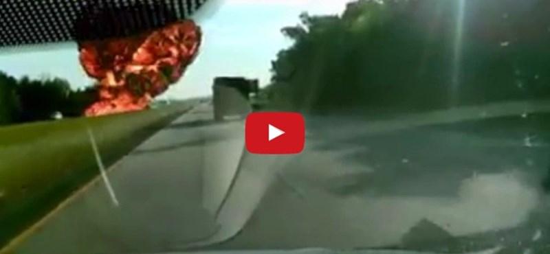 Mint a filmekben: felrobbant a 30 ezer literes tartálykocsi – videó