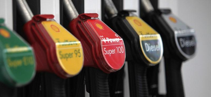 Tovább zuhanhatnak az üzemanyagárak, Moszkva nem fogja vissza az olajtermelést