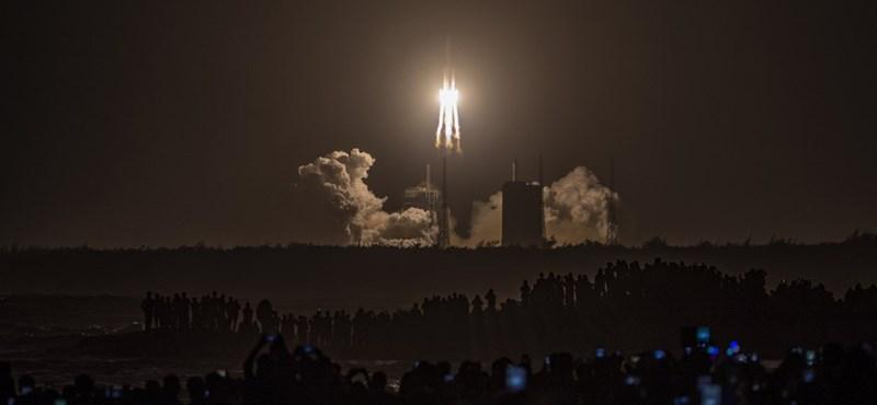 Elindult a Holdra a kínai szonda