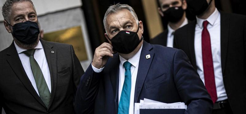 """Orbán Viktor: """"Mindenki azt szeretné, hogy ameddig lehet, tartsuk nyitva az iskolákat"""""""