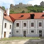Megmenekülhet több vár és kastély Magyarországon