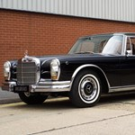 Eladó a togói diktátor hatalmas régi Mercedese