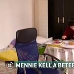 Utcára kerül az anya és autista, rákos gyermeke, elárverezik otthonukat