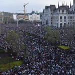 Összejött Erzsinek a pénz a május 8-i tüntetésre