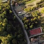 Így fest a levegőből a Borkai-birtok – videó