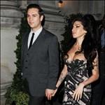 Amy Winehouse jegyben járt