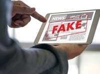 Gombamód szaporodnak a hamis hírek az amerikai tüntetőkről, íme a legdurvábbak