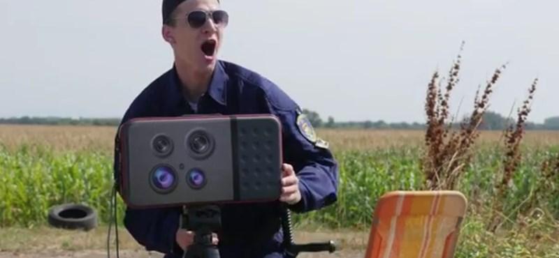 """""""Undorító"""" – traffipaxos magyar rendőr az új Despacito-klipben"""
