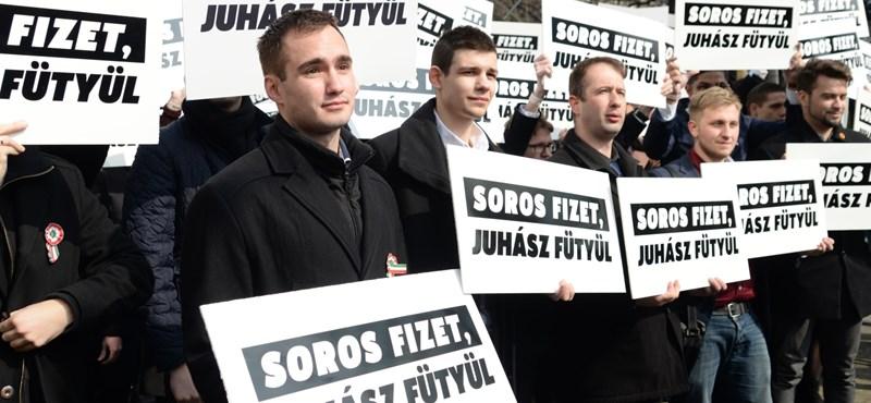 Visszavágnak a sípolók: Putyin fizet, Orbán hazudik
