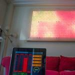 Nem mindennapi látvány: táblagéppel irányított LED fal [videóval]