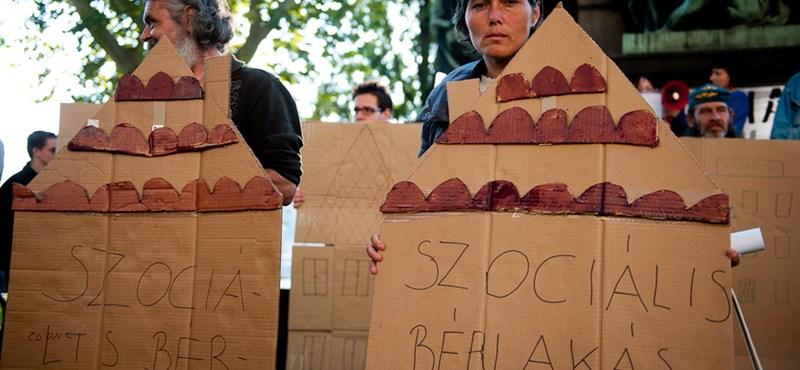 Alkotmányban tiltaná meg a Fidesz a hajléktalanságot