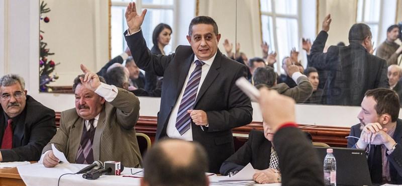 Csőd előtt az Országos Roma Önkormányzat – fizetésekre sem lesz pénz?