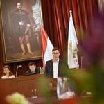 Már a Jobbik is bírálja a Mozgó Világ főszerkesztőjének adott fővárosi kitüntetést