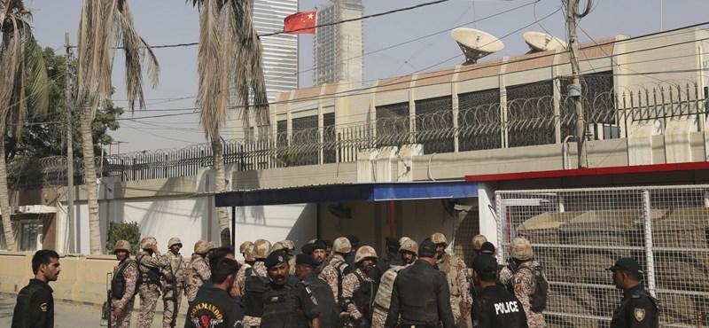 Letartóztatták a pakisztáni keresztény nő felmentése miatti tüntetések szervezőjét