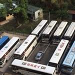 Jól pórul járt a két busz helyét elfoglaló autós