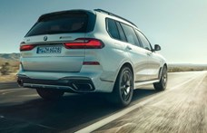 Itt a hatalmas BMW X7 M50i: 530 lóerő elég lesz?