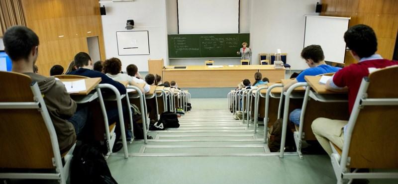 Veszélybe került az egyetemi tanárok presztízse a MAB szerint