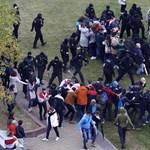 Könnygázzal oszlatták a fehérorosz tüntetőket Minszkben
