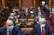 Szeretettel a Vajdaságból: Egypártrendszerből egypártrendszerbe lépett Szerbia