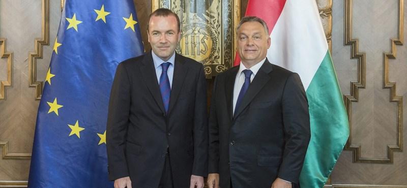 Ez nagyon fájna a Fidesznek: kampány indult, hogy zárják ki a Néppártból